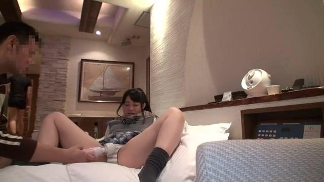 制服女子校生にラブホテルで電マ責め