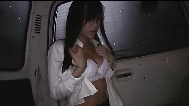 あずみ恋 車内で着替える女子校生