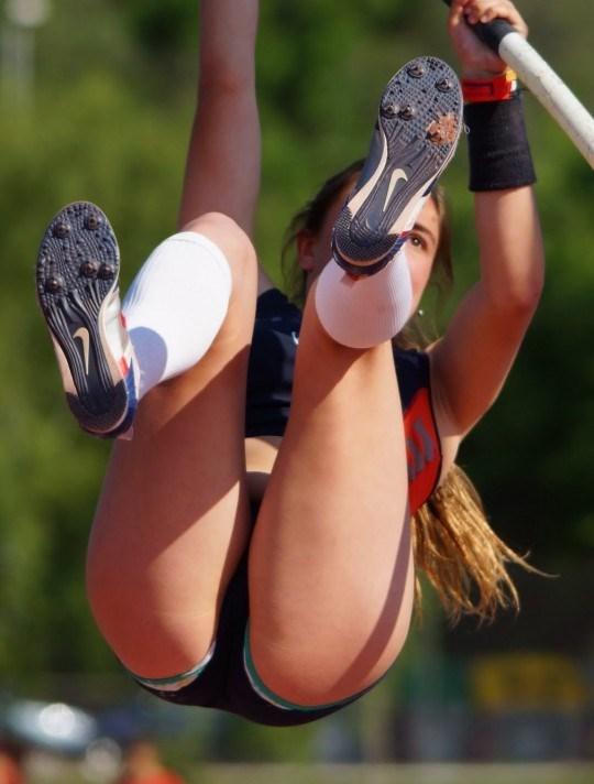 おもわずシコりたくなる女子アスリートのハプニングエロの瞬間画像www0008shikogin