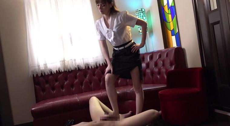 カリナ女王様のM男調教 西田カリナの脚フェチDVD画像4