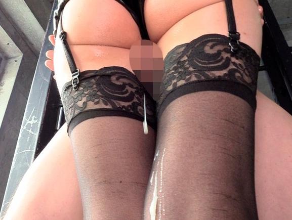 豊満な巨尻がエッチなお姉さんにムチムチ太腿で扱かれる太腿コキの脚フェチDVD画像2