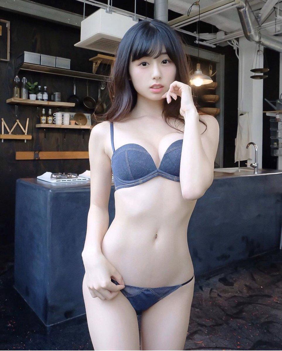 女の腰回り 8