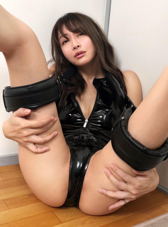M字開脚 29