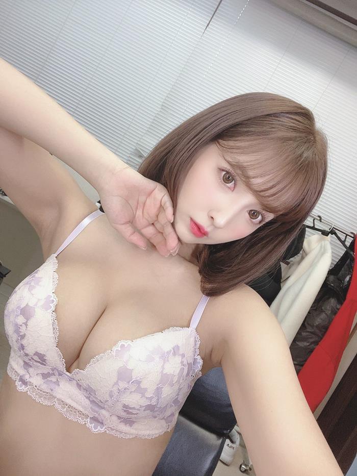 三上悠亜 4