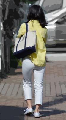 むっちり美尻のピチピチホワイトパンツ