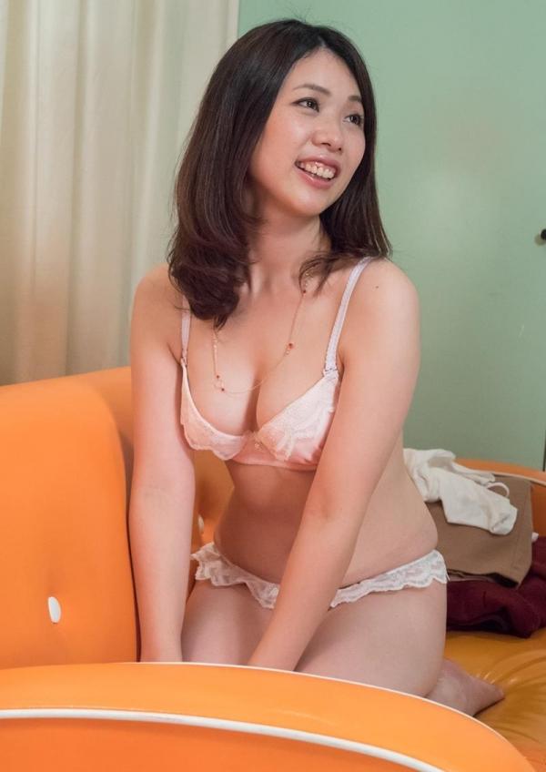 30代熟女の淫らで恥ずかしい姿のエロ画像100枚の012枚目