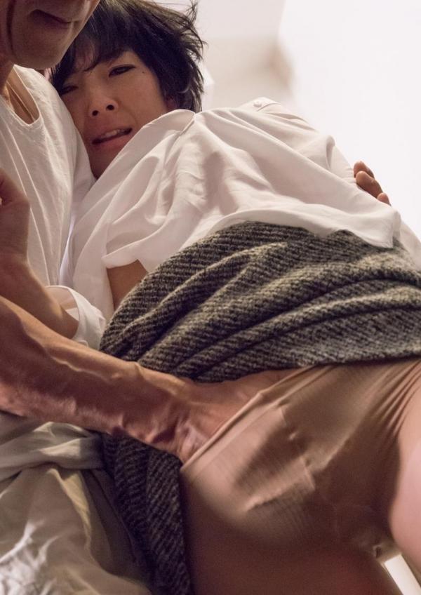 30代熟女の淫らで恥ずかしい姿のエロ画像100枚の024枚目