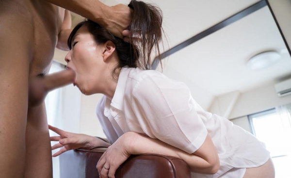 30代熟女の淫らで恥ずかしい姿のエロ画像100枚の076枚目