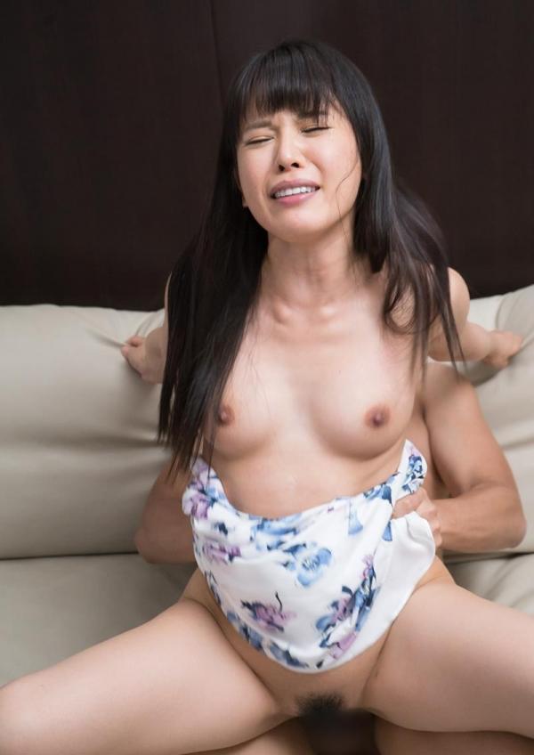 人妻画像  30代のエッチな奥さん 淫らな姿100枚の077枚目