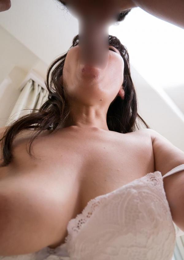 40代熟女のフェラチオ画像 スケベな奥さんの卑猥な舌使い50枚の12枚目