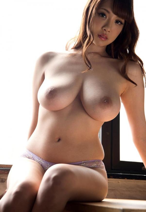 安齋らら(あんざいらら)重量感たっぷり究極おっぱいの美女エロ画像41枚のa09枚目