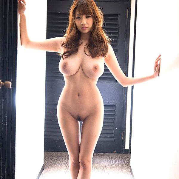 安齋らら(あんざいらら)重量感たっぷり究極おっぱいの美女エロ画像41枚の1