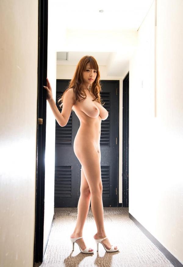 安齋らら(あんざいらら)重量感たっぷり究極おっぱいの美女エロ画像41枚の2