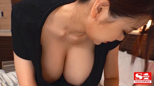 安齋らら(あんざいらら)重量感たっぷり究極おっぱいの美女エロ画像41枚のb11枚目