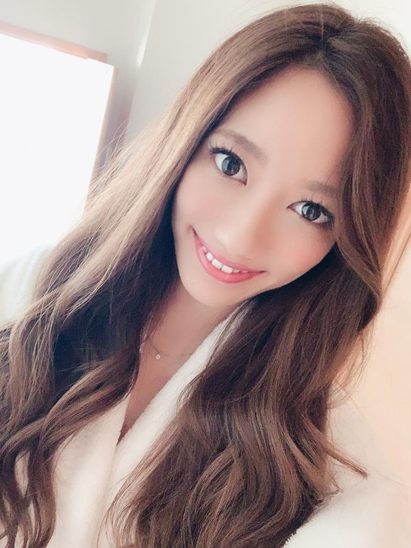 東凛(あずまりん)艶肌のスレンダー美熟女エロ画像38枚のa02枚目