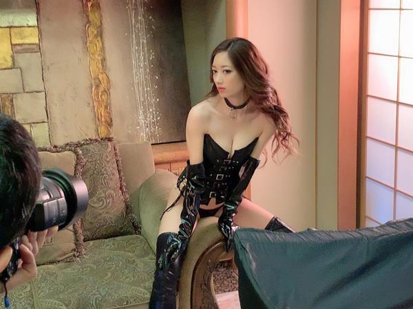 東凛(あずまりん)艶肌のスレンダー美熟女エロ画像38枚のa08枚目