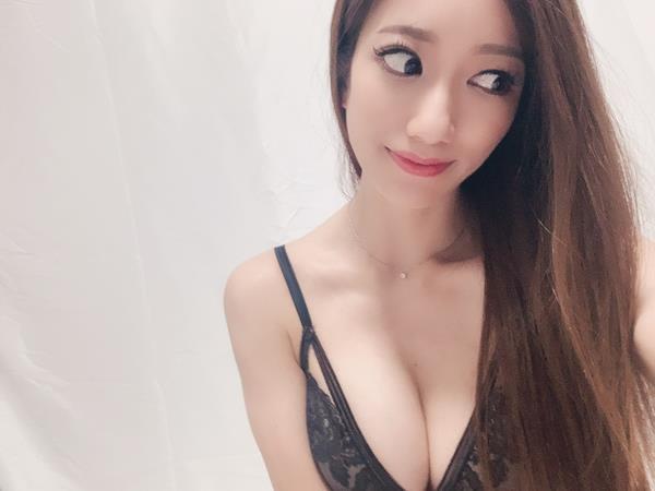 東凛(あずまりん)艶肌のスレンダー美熟女エロ画像38枚のa10枚目