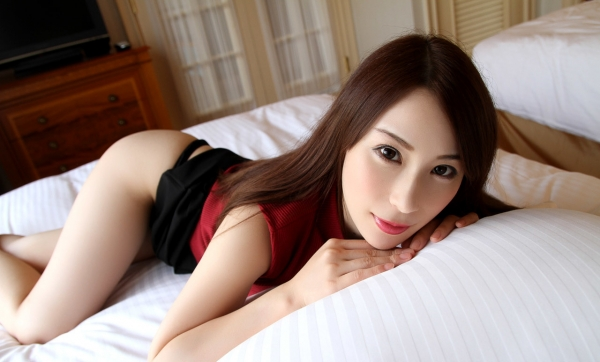 橋本れいか 色白美乳美女の着衣セックス画像90枚のa23枚目