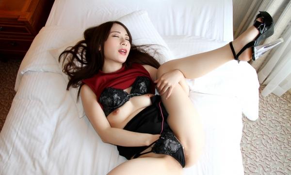 橋本れいか 色白美乳美女の着衣セックス画像90枚のa31枚目