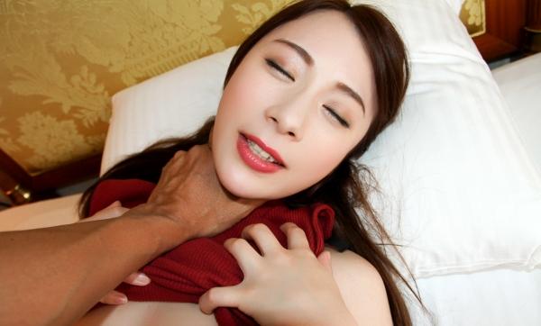 橋本れいか 色白美乳美女の着衣セックス画像90枚のa71枚目