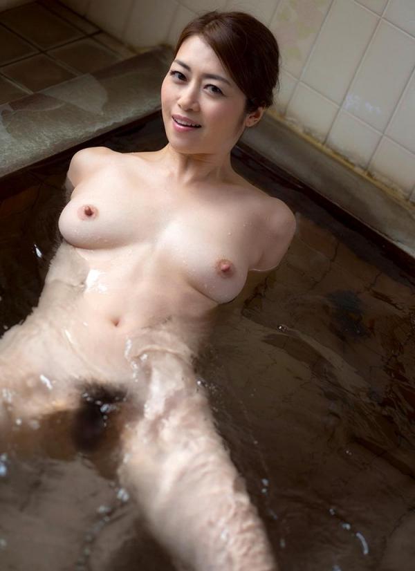 北条麻妃さん 43歳、輪姦され大量に中に出されてしまう。画像66枚のb06枚目