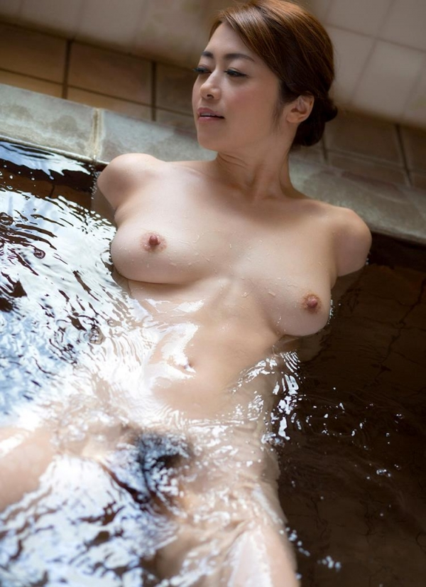 北条麻妃さん 43歳、輪姦され大量に中に出されてしまう。画像66枚のb08枚目