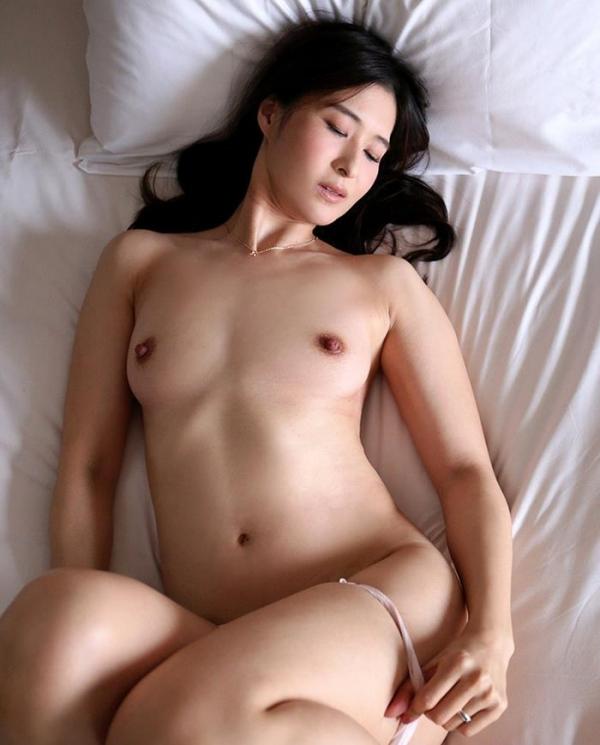 北川礼子(持田礼子)人妻の花びらめくりエロ画像53枚のb10枚目