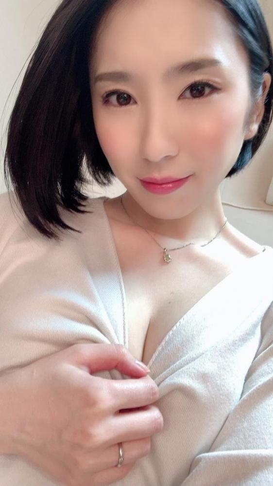 舞原聖(まいはらひじり)最上級な美顔の淫乱妻エロ画像31枚のa17枚目