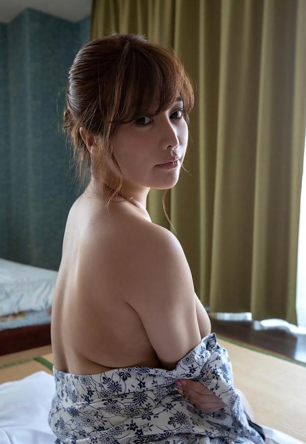 益坂美亜 Jカップ100cm 特盛り圧倒乳エロ画像42枚のb03枚目