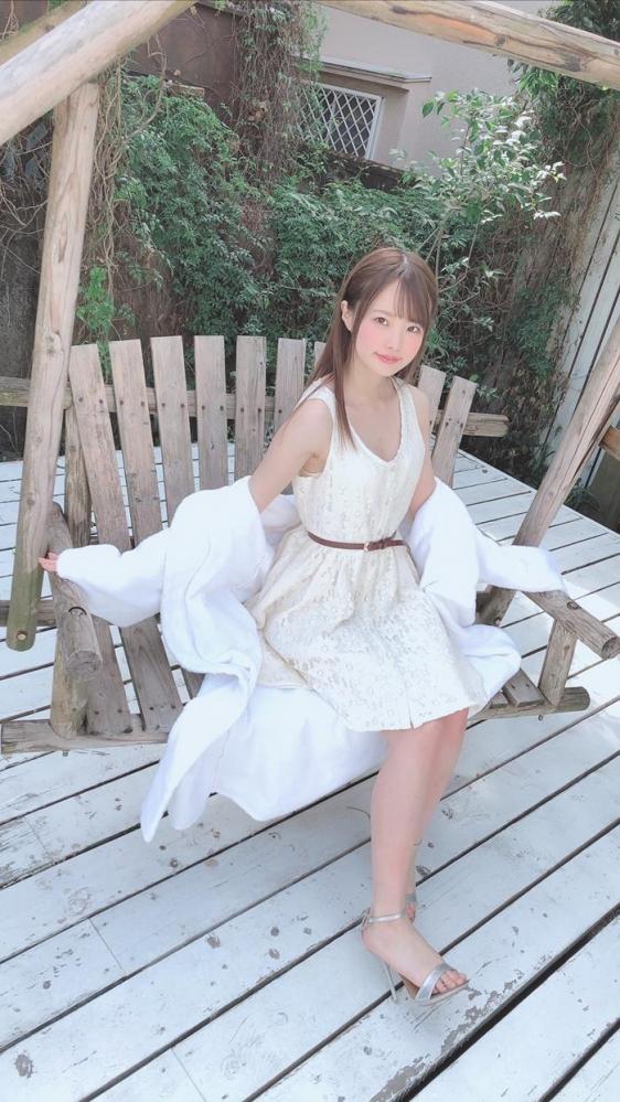 松本いちか 浮き出るアバラの微乳スレンダー美少女【画像】29枚のa25枚目
