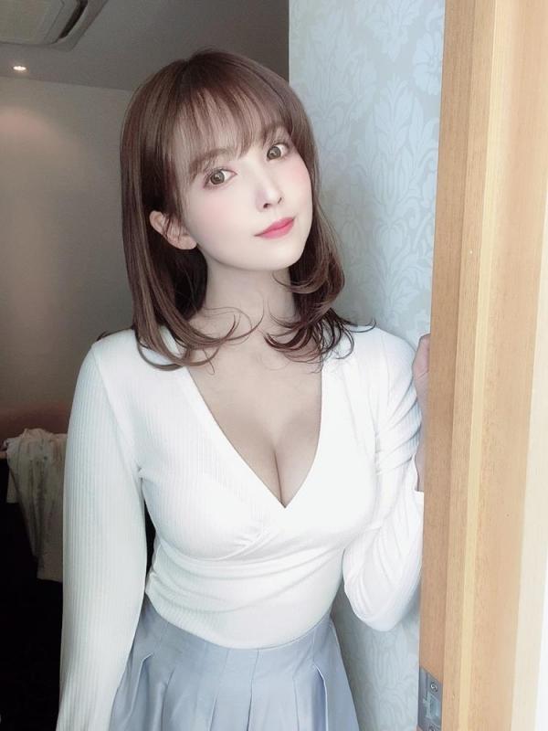 三上悠亜 美巨乳&クビレ腰&肉弾ヒップ官能ボディ画像59枚のa11枚目