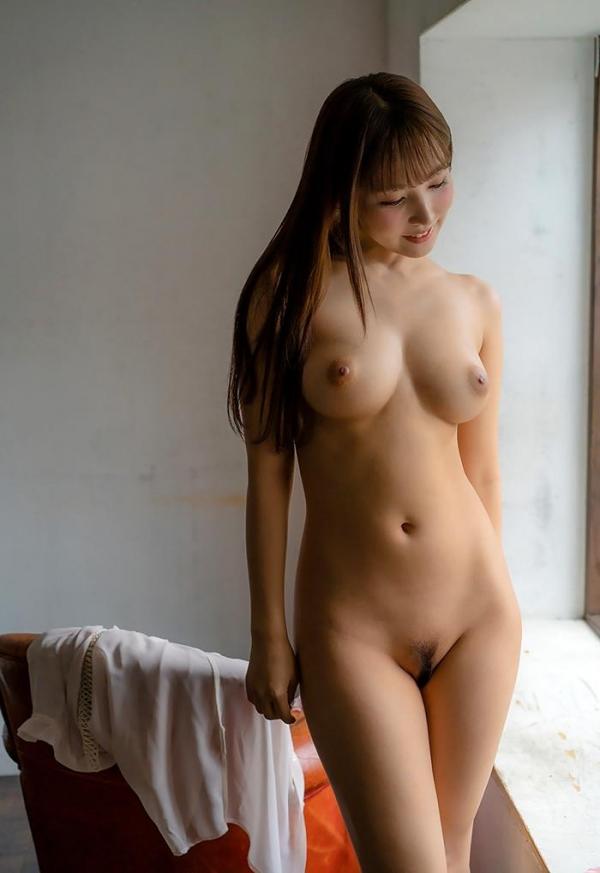 三上悠亜のエロ画像74枚 最新12タイトル480分ベスト版のコスパがヤバイ!のb32枚目