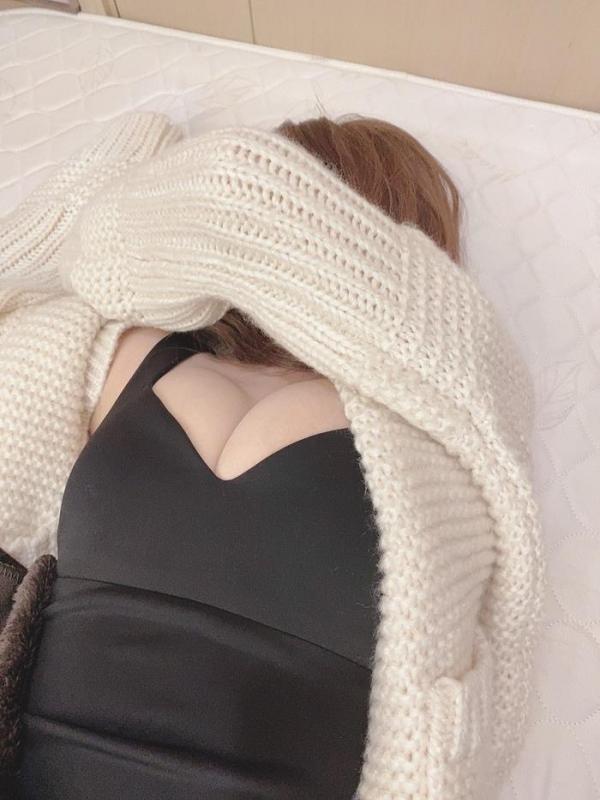 三上悠亜さん、気持ちよすぎてお漏らしアクメを晒してしまう。【画像】49枚のa18枚目
