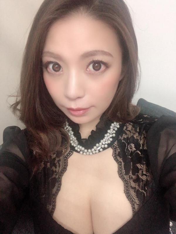 織田真子 Gカップ爆乳ムッチリボディの卑猥な肉体【画像】29枚のa04枚目