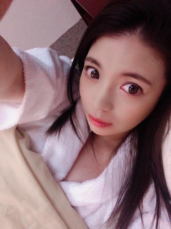 織田真子 Gカップ爆乳ムッチリボディの卑猥な肉体【画像】29枚のa14枚目