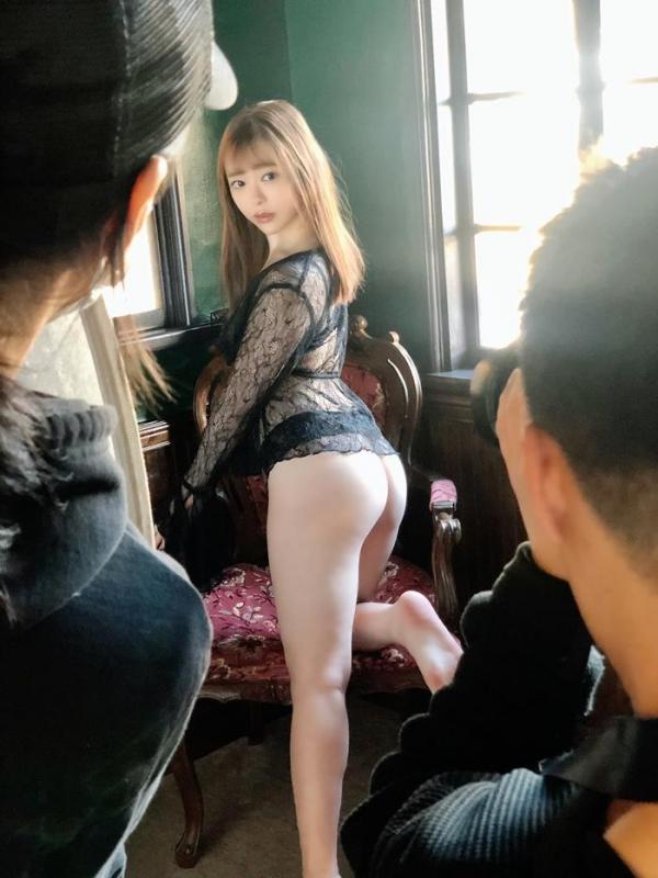 美形の小倉由菜さん、複数の男達にレ●プされてしまう。【画像】58枚のa18枚目