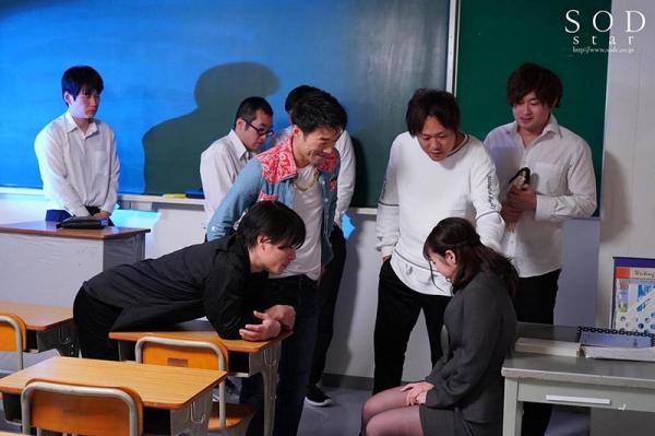 美形の小倉由菜さん、複数の男達にレ●プされてしまう。【画像】58枚のc04枚目