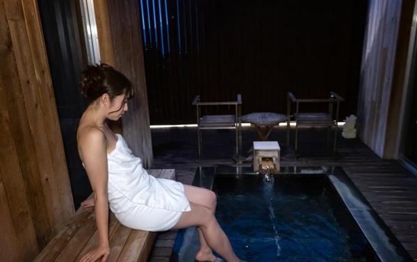 沖田里緒 ドMのスレンダー美脚美女SEX画像120枚のb038枚目