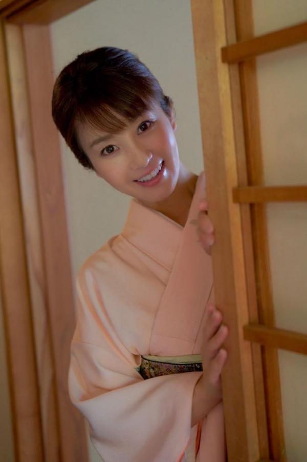 大島優香 41歳 美熟女の淫らな発情交尾がこちら。 画像のa02枚目