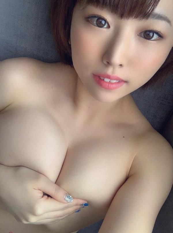 おっぱい画像 綺麗なお姉さんの色々な乳房を集めた70枚のa46枚目