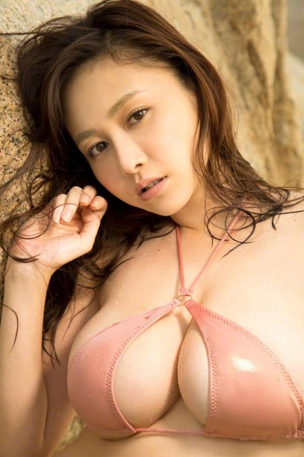 おっぱい画像 綺麗なお姉さんの色々な乳房を集めた70枚のa64枚目