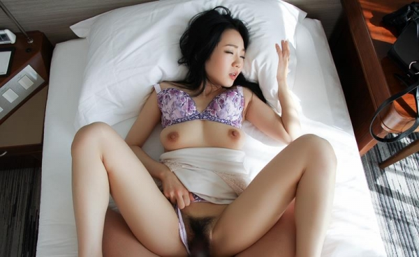 セックス画像 デカチンが良すぎてアヘ顔のお姉さん100枚の031枚目