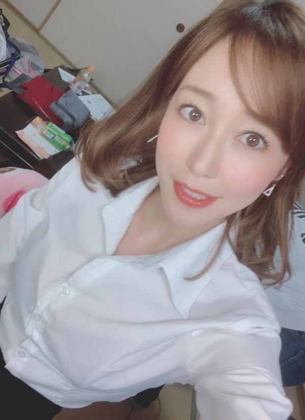篠田ゆうの神尻 業界イチのプリップリな美尻の女優画像56枚のa04枚目