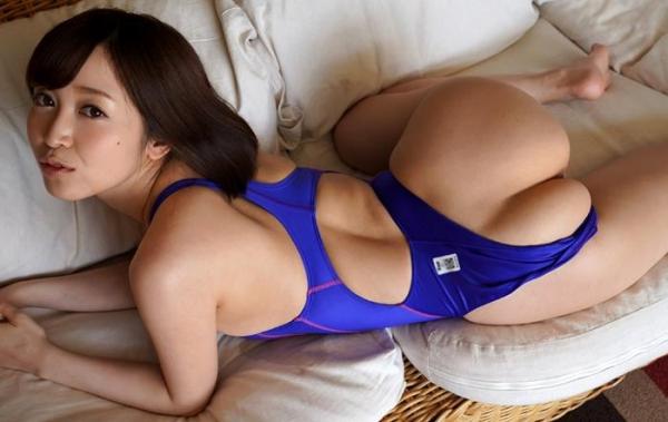 篠田ゆうの神尻 業界イチのプリップリな美尻の女優画像56枚のb18枚目