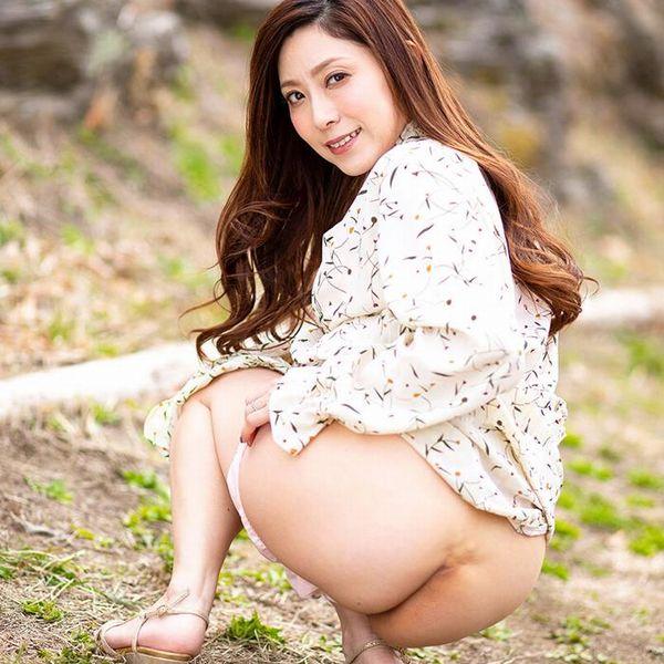 白木優子 美熟女の逆夜這い性交 エロ画像45枚の1