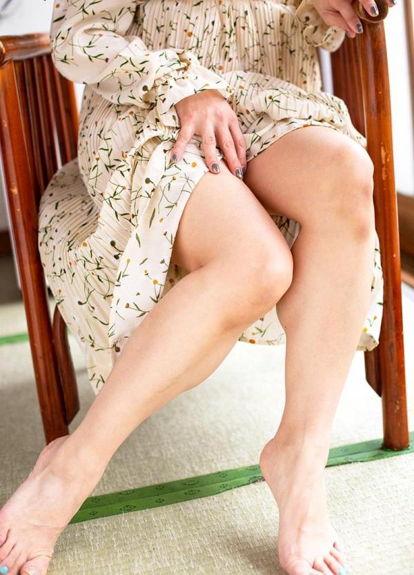 熟女の温もりと愛情に溢れる白木優子の密着スローSEX【画像】42枚のb01枚目