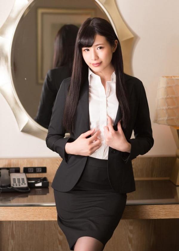 スーツ姿の綺麗なお姉さん8人の官能エロ画像80枚の01枚目
