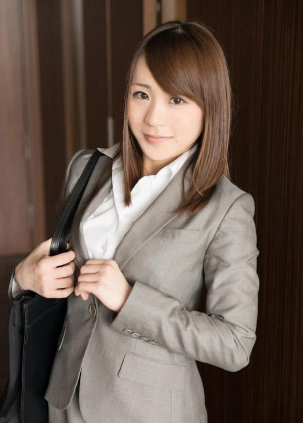 スーツ姿の綺麗なお姉さん8人の官能エロ画像80枚の21枚目