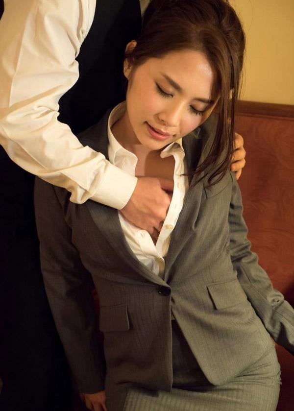スーツ姿の綺麗なお姉さん8人の官能エロ画像80枚の44枚目