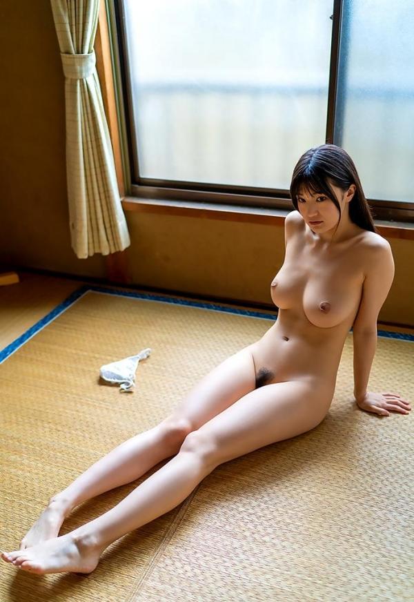 高橋しょう子 スリム巨乳な極上の肉体ヌード画像47枚のb18枚目